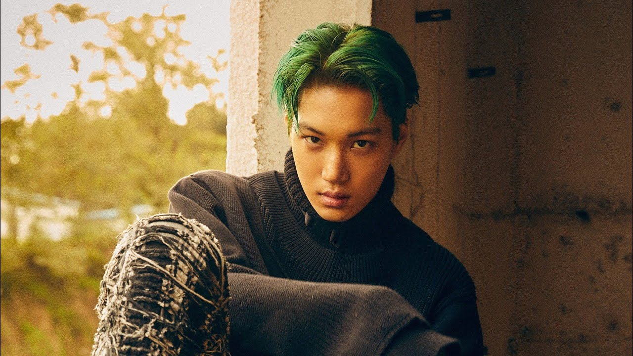 EXO Kai shows off his modeling skills